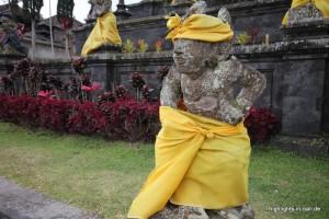 Jeder trägt Sarong :)
